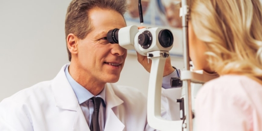 How To Find a LASIK Surgeon