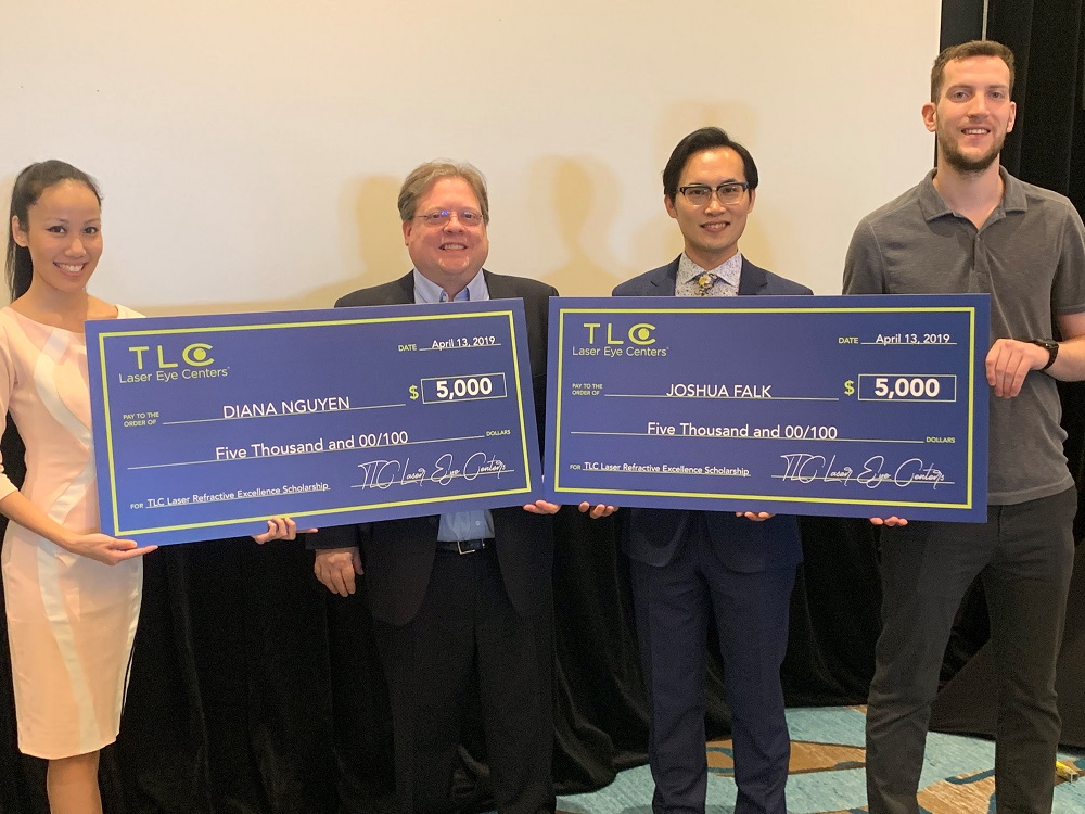 OCCRS_TLC Presents Scholarships to Optometry Students